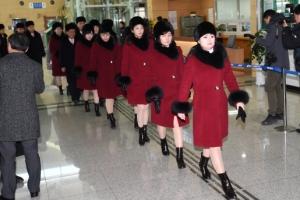 [서울포토] 경의선 육로로 출경하는 북한 예술단