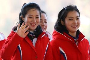 북한 응원단, 방남 6일 만에 첫 나들이…경포대·오죽헌 관광
