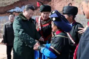 """시진핑 직접 운전해 쓰촨성 시찰… """"빈곤 퇴치"""""""