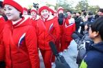 북한 응원단 경포 나들이 …