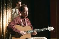 단 8개의 손가락으로 자유를 연주한 기타리스트…'장…
