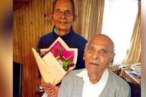 결혼생활 82주년 된 102세 동갑부부…증손만 26명