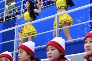 [서울포토] '우리는 하나'…단일팀 경기장의 남북 응원단