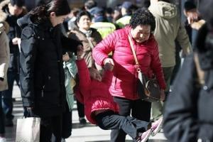 하늘·땅·바다서 고향 찾아 '민족대이동'…곳곳 성묘행렬