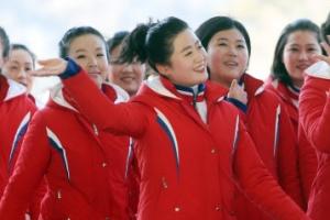 [포토] '발랄하고 신나게' 시작하는 북한 응원단