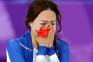 눈물 쏟은 '빙속여제' 이상화 은메달…고다이라와 무슨 대화?