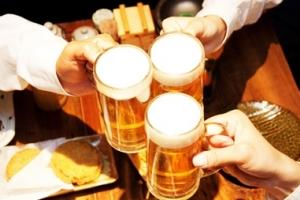 대학생 폭음 늘었다…3명 중 1명 한번에 술 10잔 이상