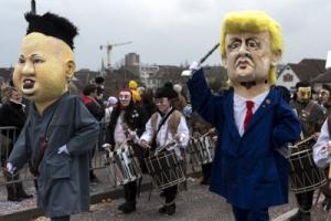 [포토] 카니발에 나란히 등장한 트럼프와 김정은