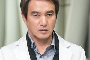 """tvN """"조재현, '크로스'서 내주 하차…단독 화면 최소화"""""""