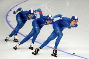 '완벽한 팀워크' 남자 팀추월 은빛질주…소치 이어 2연속 메달
