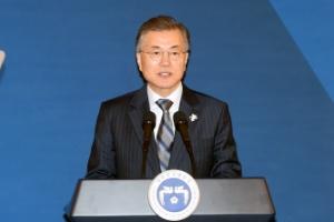 [서울포토] 정책기획위원회 오찬간담회서 발언하는 문재인 대통령