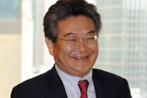 '적이 된 어제의 동지'…민유성, 신동주 상대 100억원대 손배소