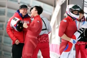 [속보] 한국 남자봅슬레이 4인승 은메달