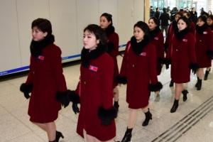 [서울포토] 출경 대기하는 북한 응원단