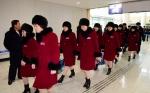 떠나는 북한 여자아이스하…