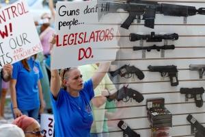 미 플로리다, 총기규제 강화…교사 교내 무장 허용