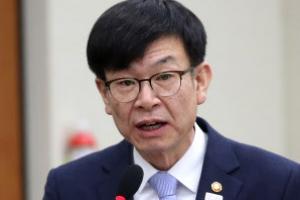 '경제민주화 선봉' 김상조 1년…향후 성패는 국회에 달렸다