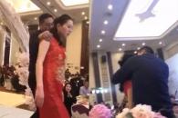 아들 결혼식 피로연서 며느리에게 강제 입맞춤한 남성