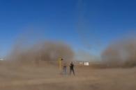 순간 이륙 제트기의 엄청난 '회오리 모래 바람'