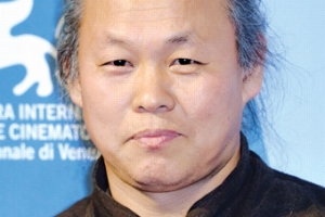 """'성폭력' 김기덕 신작 개봉 불투명…영화계 """"충격 넘어 분노"""""""