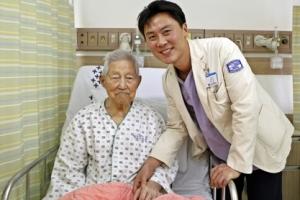 """106세 할아버지 심근경색 수술 성공…""""심장기능 회복"""""""