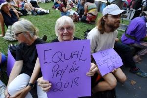 """[포토] """"우리 날입니다"""" 여성의 날 참석한 호주 시민들"""