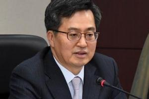 '일자리 추경' 발언 수위 높이는 김동연 부총리