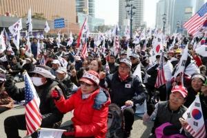 박근혜 탄핵 1년, 서울 곳곳 보수·진보단체 집회