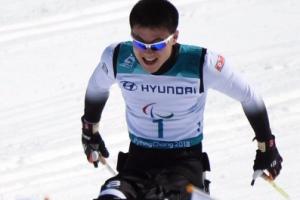 [서울포토] 마지막으로 결승선 통과하는 북한 김정현