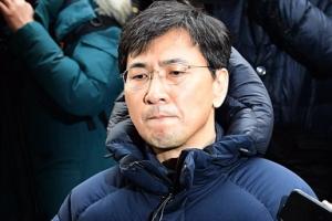 '안희정 성폭행' 엇갈리는 진술…검찰, 대질조사도 검토
