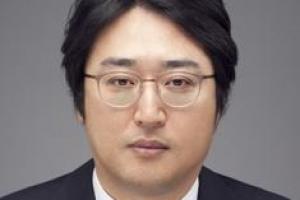 [시론] 석유의 시대는 아직 끝나지 않았다/김형건 강원대 경제ㆍ정보통계학부 교수