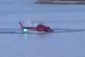 뉴욕 도심서 헬리콥터 강으로 추락…승객 5명 사망