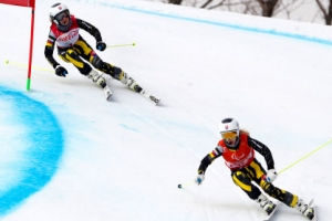 대회 첫 금메달 주인공 파르카소바, 알파인 스키 첫 3관왕 영예도