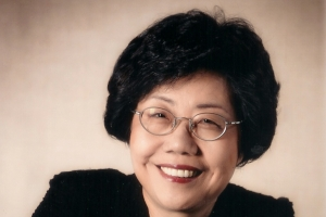 서울대동창회 첫 여성 회장 신수정 교수