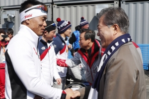 [서울포토] 평창 패럴림픽 선수들 격려하는 문재인 대통령