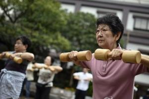 늙어가는 日… 75세이상 인구, 처음으로 고령자 절반 넘어