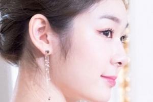 김연아, B 컷에서도 숨길 수 없는 '여왕의 자태'