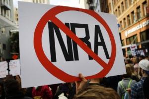 [글로벌 인사이트] 청소년 2만 6000여명 '총기' 희생… NRA 힘에 밀린 규제