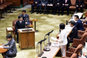 국회서 '사학 스캔들' 증언하는 전 국세청 장관