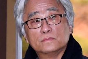 '극단원 상습 성폭력' 이윤택 구속기소