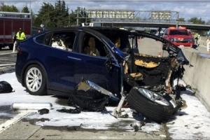 車사고+신용등급 강등+단기 파산 전망… 테슬라 '트리플 악재'