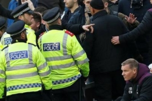 웨스트햄-사우샘프턴 경기에 안전요원 늘리는 데 세금 투입
