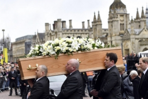 빗속에 치러진 스티븐 호킹의 장례식