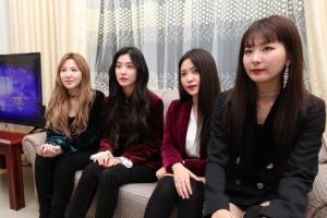 [포토] 평양 공연 후 인터뷰하는 '레드벨벳'