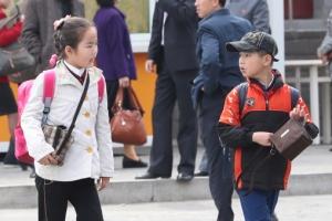 [포토] 하교하는 평양 학생들