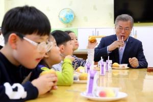 """[온종일 초등돌봄] 학부모들 """"일과 육아 양립 불가능… 돌봄서비스 국가가 더 나서 달…"""