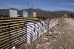 """美 """"멕시코 국경 군대 배…"""