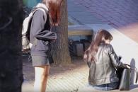 중학생이 길에서 생리대를 빌려달라고 한다면?