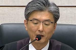 """북 매체 """"박근혜 역도X"""" 중형 판결 보도"""