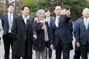 [포토] '판문점 답사' 청와대 주요 인사들 진지한 대화